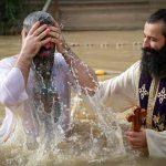 Chrystus obdarza ludzi ochrzczonych nadzieją