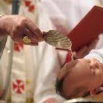 Obrzędy chrztu dzieci i ich znaczenie